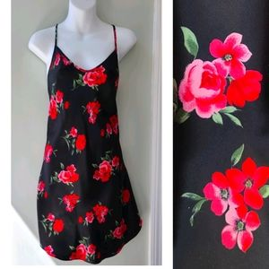 Red Rose Covered Sexy Black Shortie Size Medium